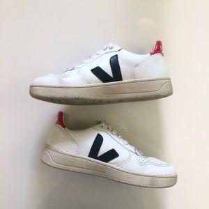 Veja V-10 Sneaker in Extra White Nautico